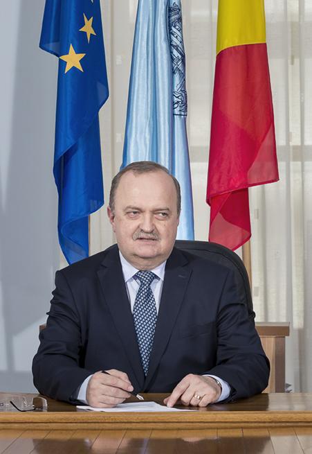 "prof. univ. dr. Viorel Scripcariu Rectorul Universitatii de Medicina si Farmacie ""Grigore T. Popa"" Iasi"